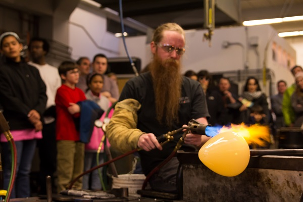 FREE Veterans Glassblowing Day – November 8